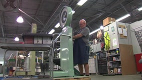 Publix mechanic keeps supermarket's iconic scales working