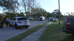 Pinellas Park police searching for suspects in double shooting