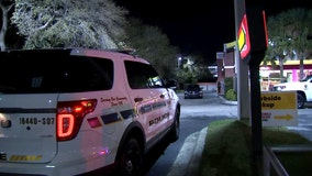 Pinellas Park police search for man who attacked another with machete at McDonald's