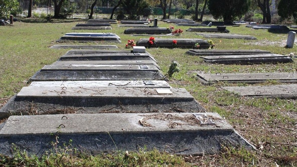 Students, city team up to restore Sarasota's first African-American cemetery