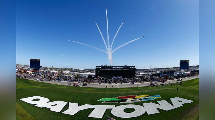 Rain halts the Daytona 500, dampening NASCAR opener