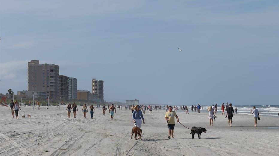 Jacksonville-Beaches-Crowd-Getty-1.jpg