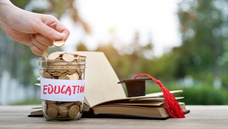 Credible-no-interest-student-loan-iStock-1186032028.jpg