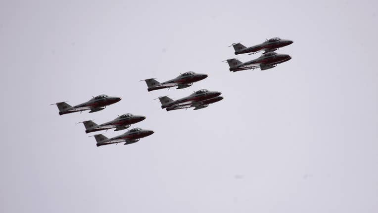Canadian Forces Snowbirds Salute Canadians Fighting Against COVID-19 Spread