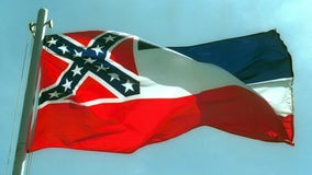 Mississippi governor: I'd sign bill to remove flag's rebel emblem