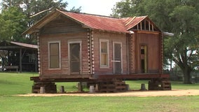 Pioneer Florida Museum and Village receives 110-year-old Pasco County log cabin