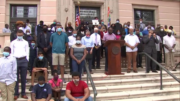 St. Petersburg leaders and African-American community join forces as sign of solidarity