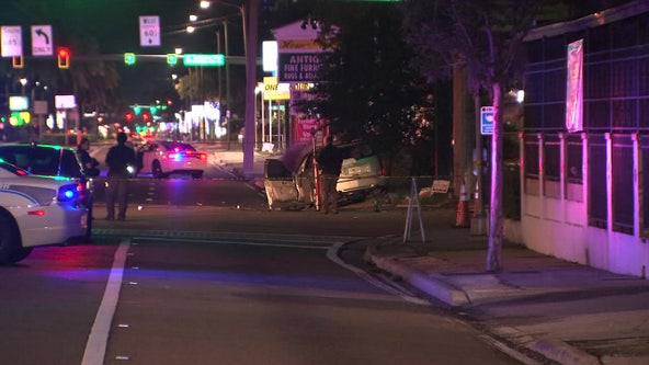 Police: 1 dead after car runs red light in South Tampa