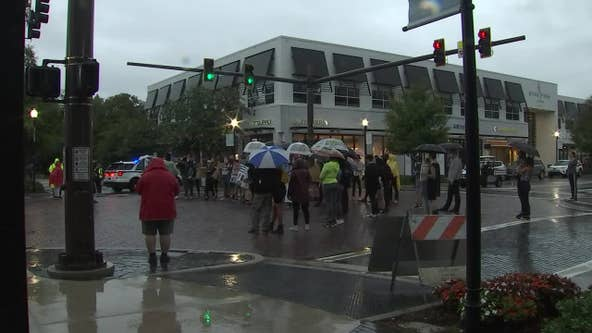 Demonstrations strike solemn tone in Tampa Wednesday night