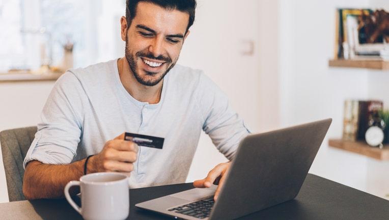 Credible-credit-card-rewards-iStock-1139885463.jpg