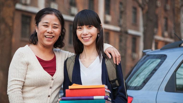 Credible-parents-college-costs-iStock-186140416.jpg