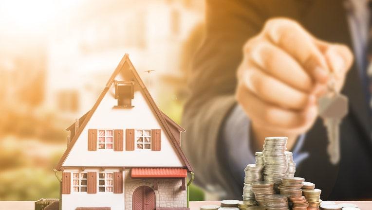 Credible-refinance-mortgage-loans-iStock-832085670.jpg