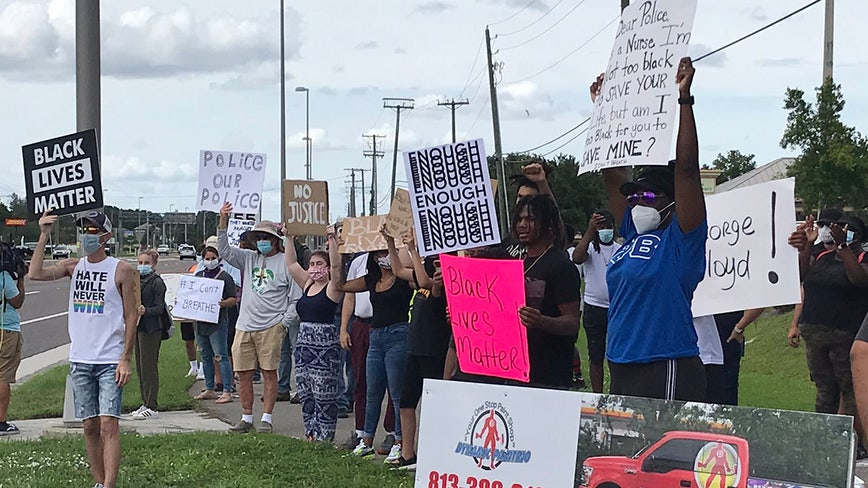 Deputies close U.S. 301 lanes in Riverview as protest grows