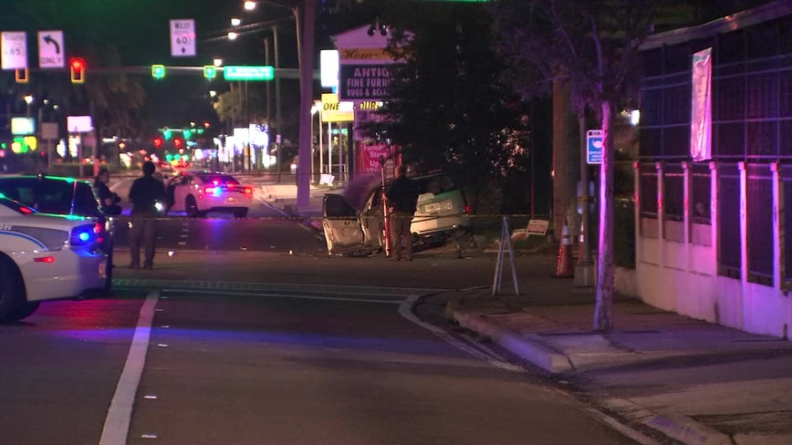 Police: 2 dead after car runs red light in South Tampa
