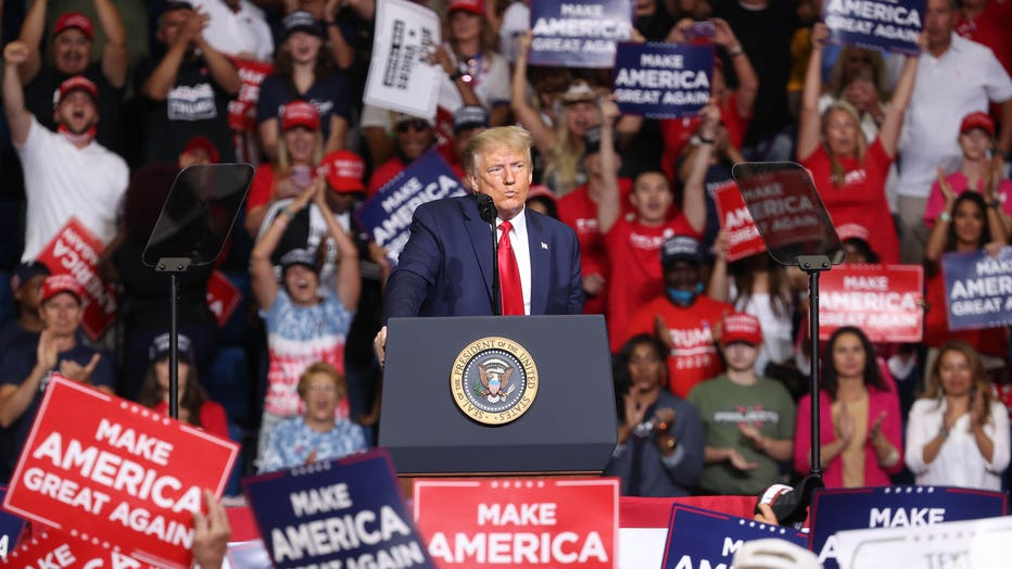 015eefeb-Donald Trump Holds Campaign Rally In Tulsa