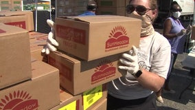 Manatee County food bank needs volunteers to help feed hundreds impacted by pandemic