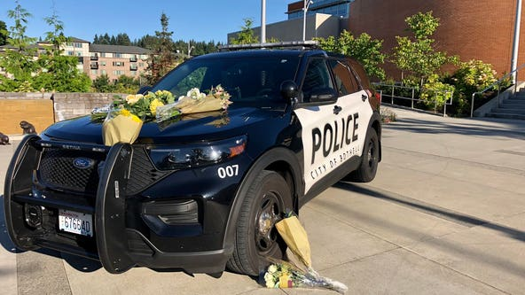 Officer dead, another seriously hurt after shooting in Bothell
