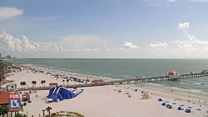 Georgia man drowns while saving family members along Clearwater Beach