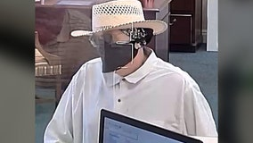 Suspect wanted in Seminole bank robbery