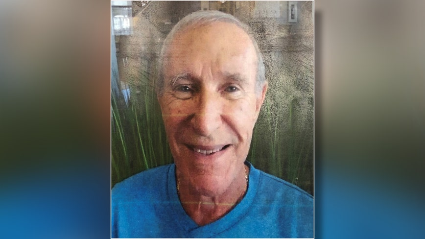Sarasota police searching for missing, endangered man