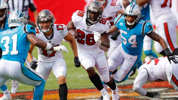 Brady, Fournette lead Buccaneers over Panthers 31-17