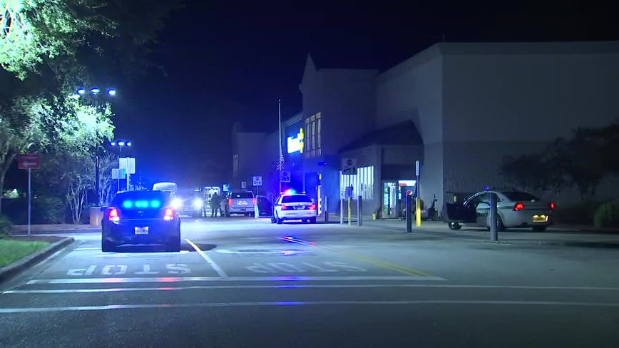 Store manager shot during attempted robbery at Bradenton Walmart
