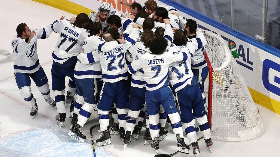 Lightning Take Stanley Cup With 2 0 Game 6 Win Over Dallas Stars
