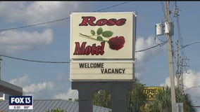 Person wearing a hoodie seen going into Winter Haven hotel before double murder, police say
