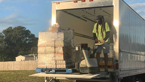 Largo residents served free Thanksgiving meals as nonprofits team up to give back
