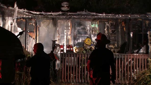 Fire destroys couple's mobile home in Seminole, firefighters say