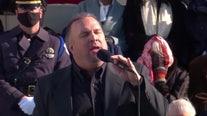 Garth Brooks sings 'Amazing Grace' on Inauguration Day