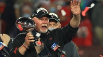 Tampa Bay Bucs' Arians scoffs at rumors, says he's returning 'for 2'
