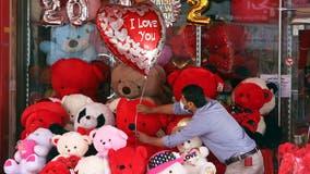 Valentine's Day deals to savor at restaurants, fast food chains