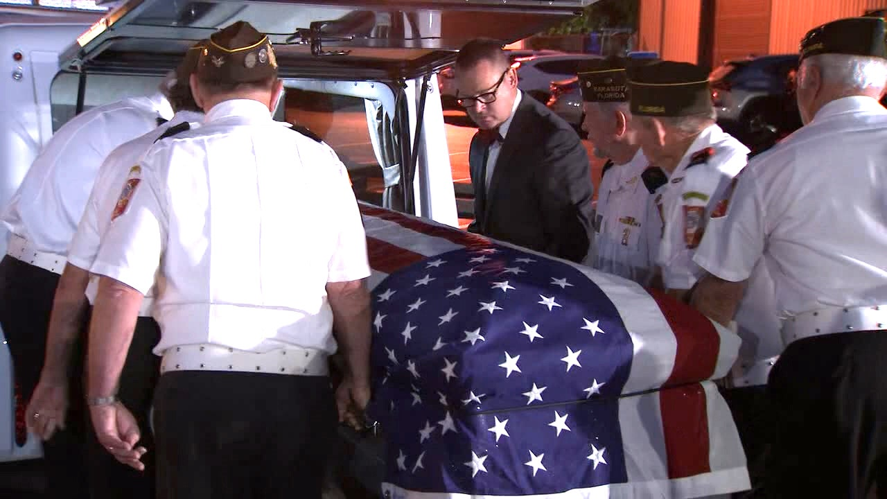 Volunteers escorting body of WWII veteran from Tampa to Kentucky in three-day journey