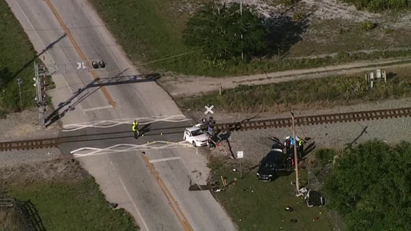 Crash involving train kills 1 in Lakeland, sheriff's office says