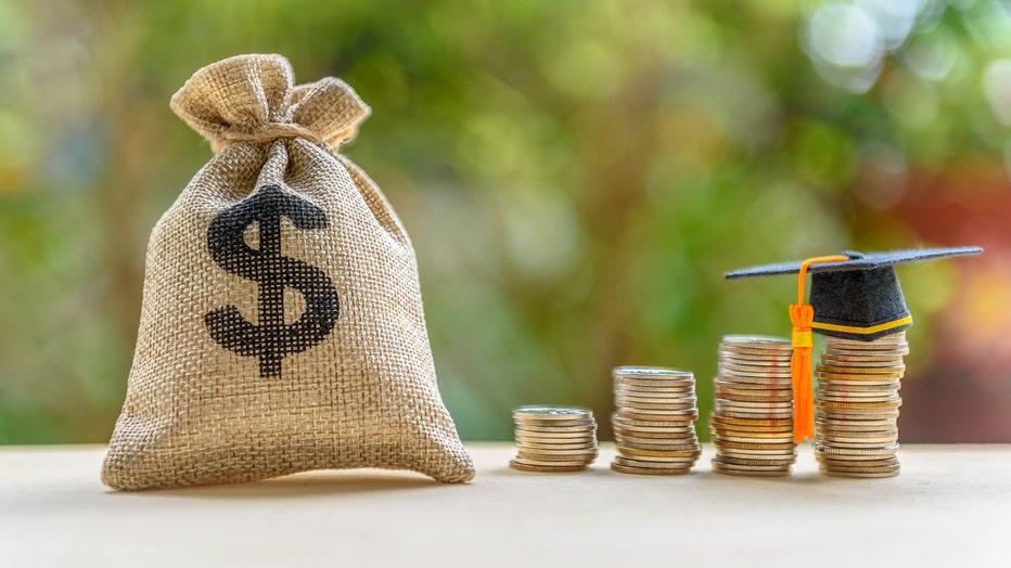 367538c9-Credible-monthly-student-loan-refinance-iStock-1058274784.jpg