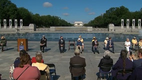 Honors, tributes to fallen on Memorial Day at World War II Memorial