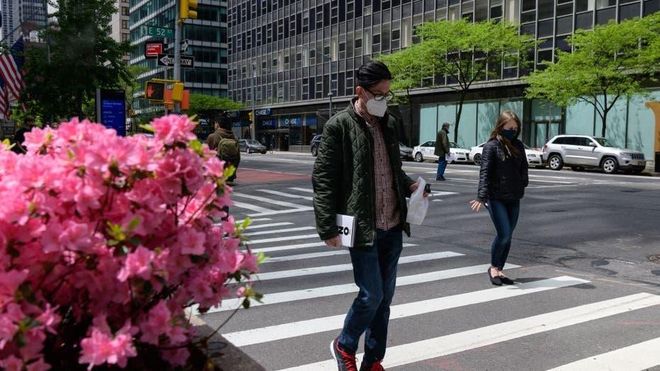 US-HEALTH-VIRUS-ECONOMY-NEWYORK
