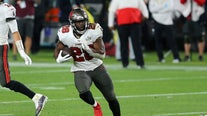 Bucs player Leonard Fournette reacts to NFL's COVID guidelines: 'Vaccine I can't do it'