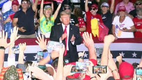 Despite rain, Trump supporters turn out for Sarasota rally