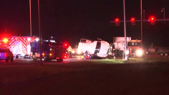 Southbound lanes of U.S. 301 closed for deadly crash in Bradenton