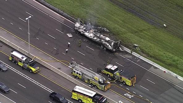 Fatal crash closes portion of Veterans Expressway