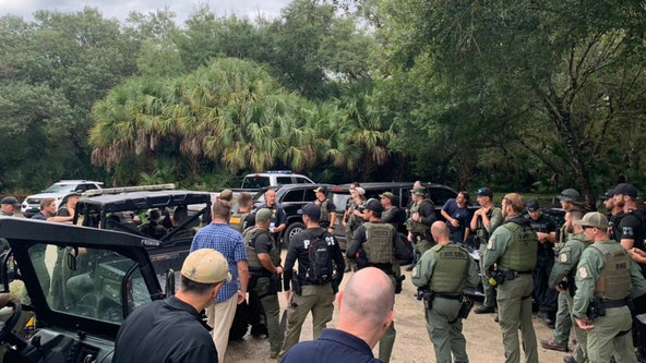 FBI, police search wilderness preserve for Brian Laundrie as questions mount in Gabby Petito's disappearance