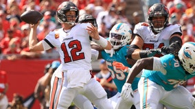 Tom Brady's 5 TD passes pace Bucs' 45-17 rout of Dolphins