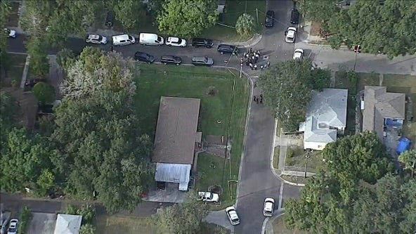 Suspect, accused of robbing 2 children, shot by St. Pete officer
