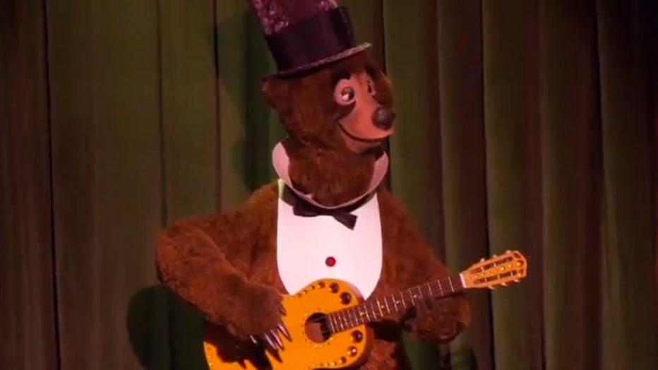 e9524bca-DISNEY-country-bear-jamboree-4.jpg