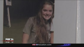 Hundreds gather for prayer vigil for missing teen