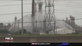 Local businesses impacted by Baytown fire