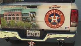 Astros superfans wrap cars in custom Astros artwork