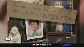 Family members of cold case victims rally together for justice